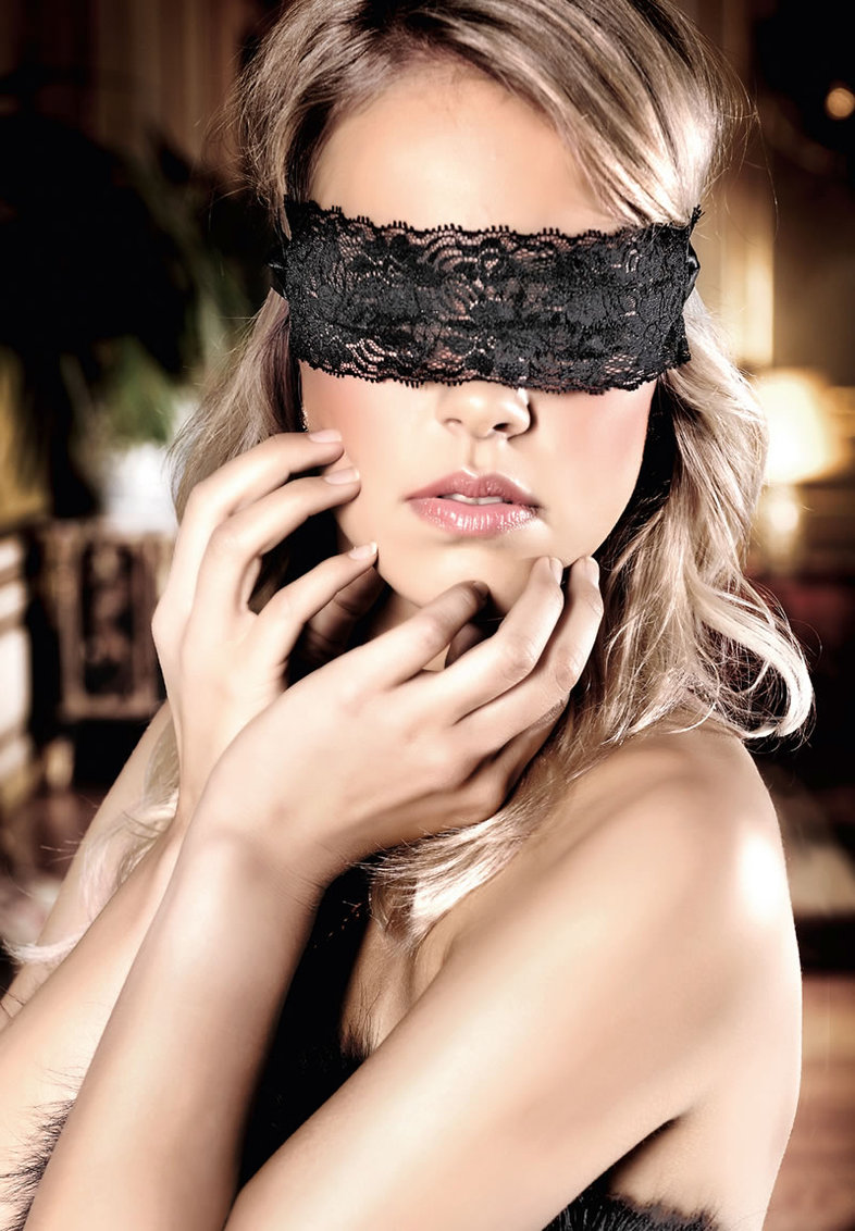 Black Lace Blindfold (disc)